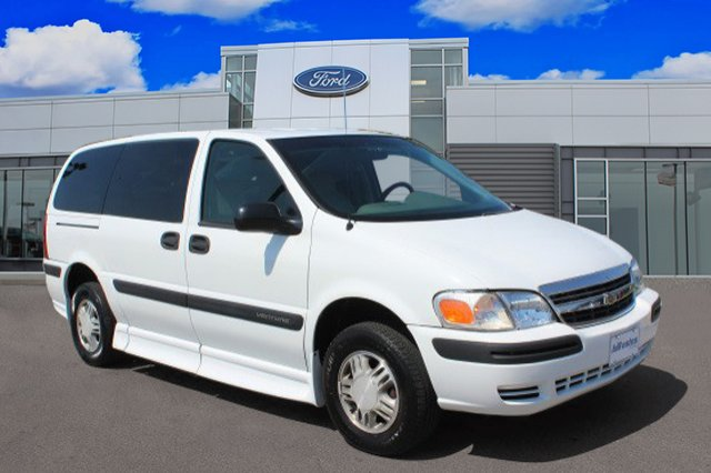 Pre-Owned 2005 Chevrolet Venture Plus w/Y3H Mobility