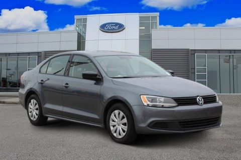 Pre-Owned 2013 Volkswagen Jetta Sedan Base